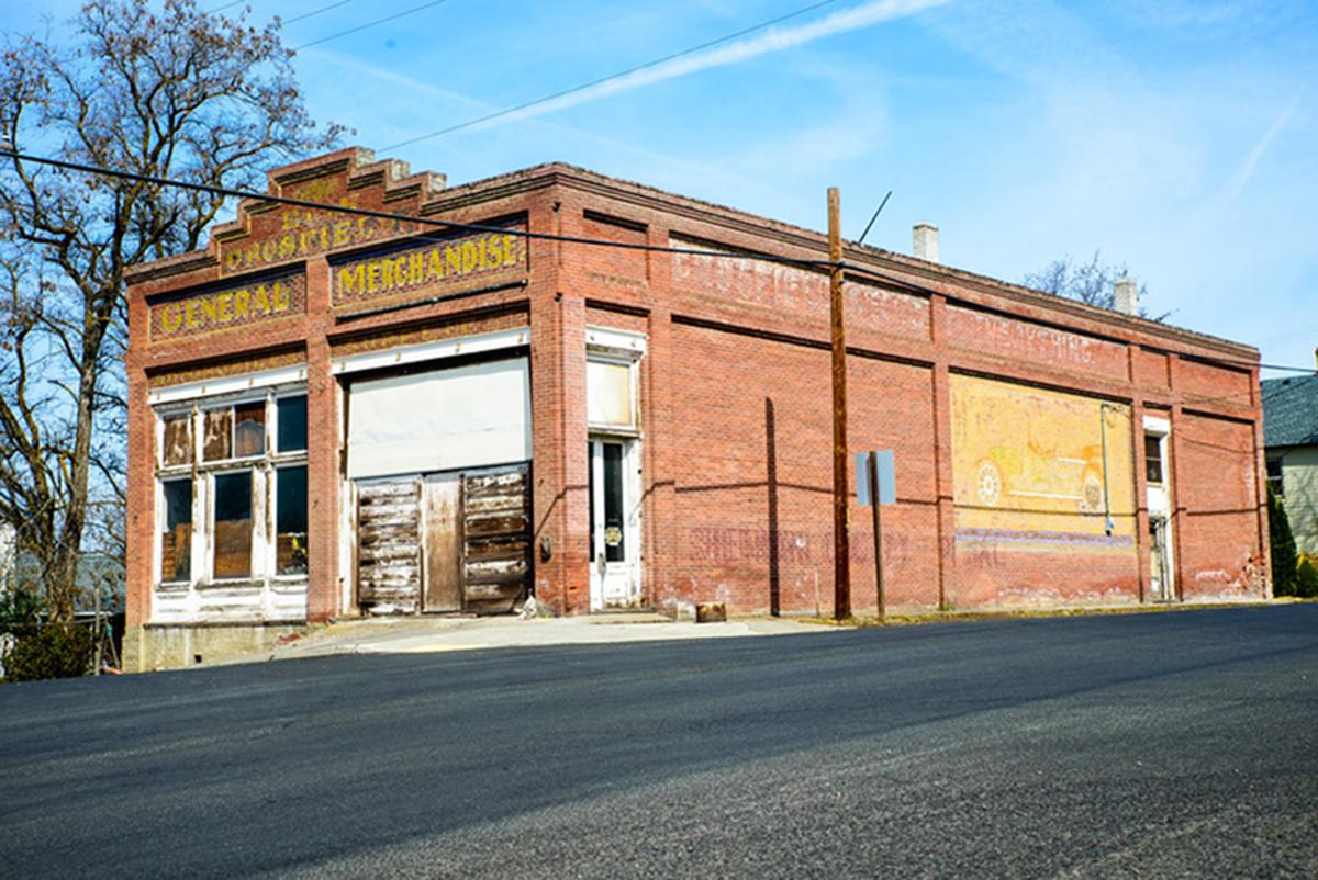 Crosfield brick commercial building, Wasco, Oregon
