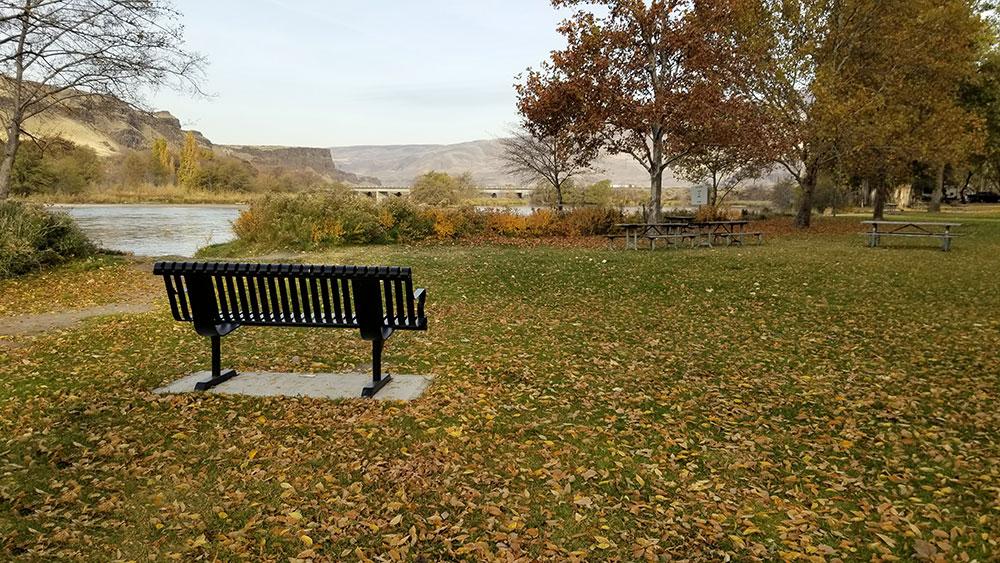 Public art bench at Deschutes State Park. Photo by Ben Asmus.