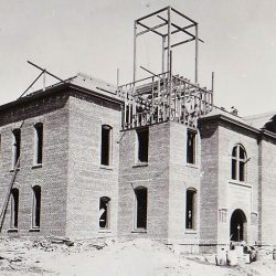 Sherman County, Oregon courthouse under construction in 1899.