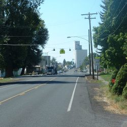 Street scene, Grass Valley, Oregon.