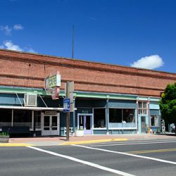 An old commercial building in downtown Moro. Gary Halvorson, Oregon State Archives.