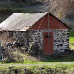A structure remaining from the community of Grant, Oregon.